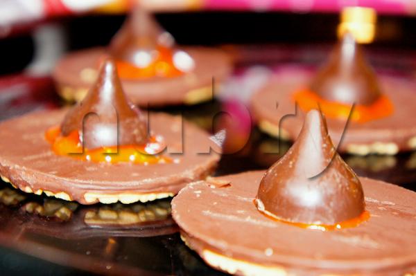 halloween cookies: witch hats