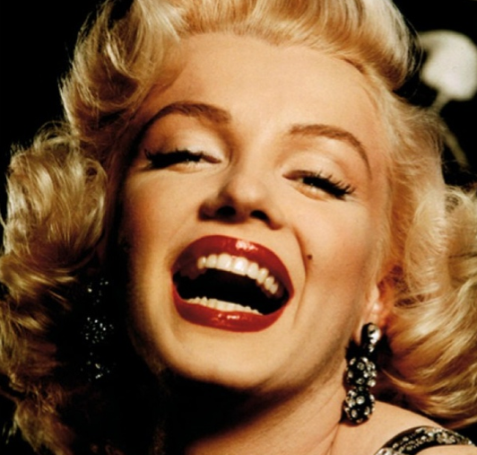 BEAUTY TUTORIAL: How To Do Marilyn Monroe's Iconic Makeup ...