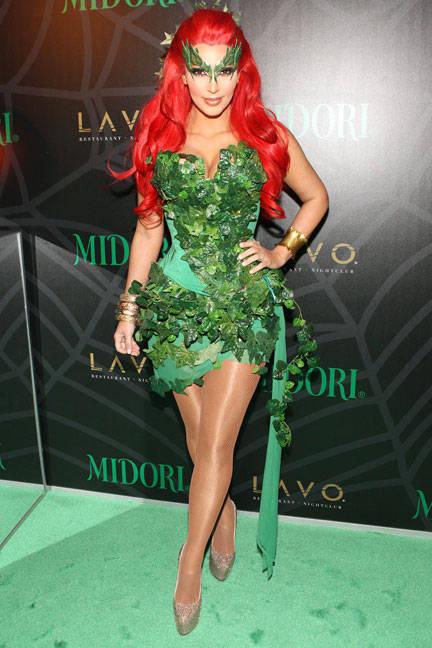 kim-kardashian-poison-ivy-halloween-2011