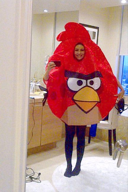 sofia-vergara-angry-birds-halloween-2011