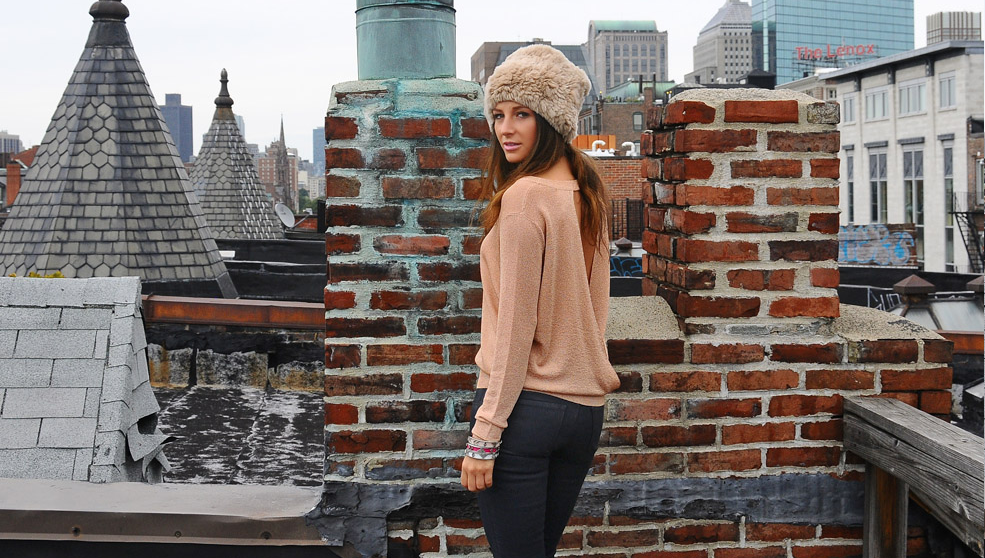4 Comfy Outfits To Wear To Boston S Newbury Street Holiday