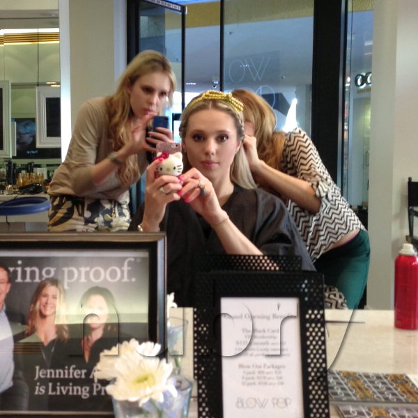 Gretchen and Britt Hackmann Blowpop Dry Bar Holiday Hairstyle Howto DIY