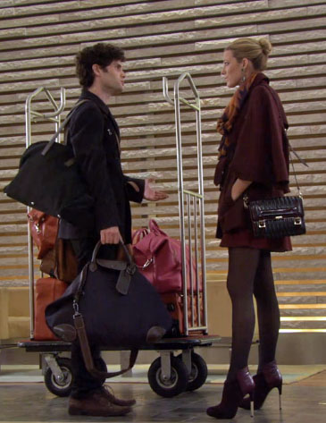 Serena oxblood cape burberry prorsum bag gossip girl season 6