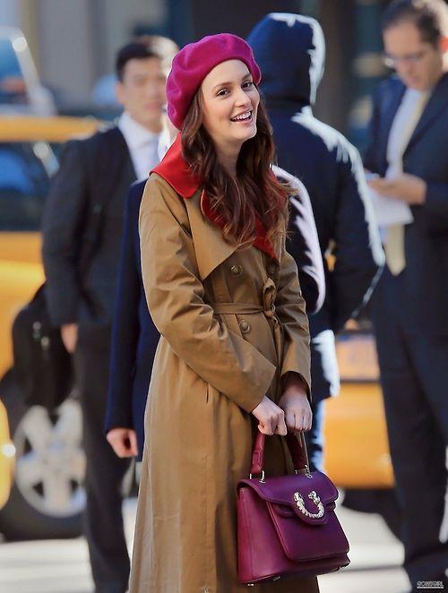 blair waldorf purple bulgari leoni handbag carven trench purple beret gossip girl