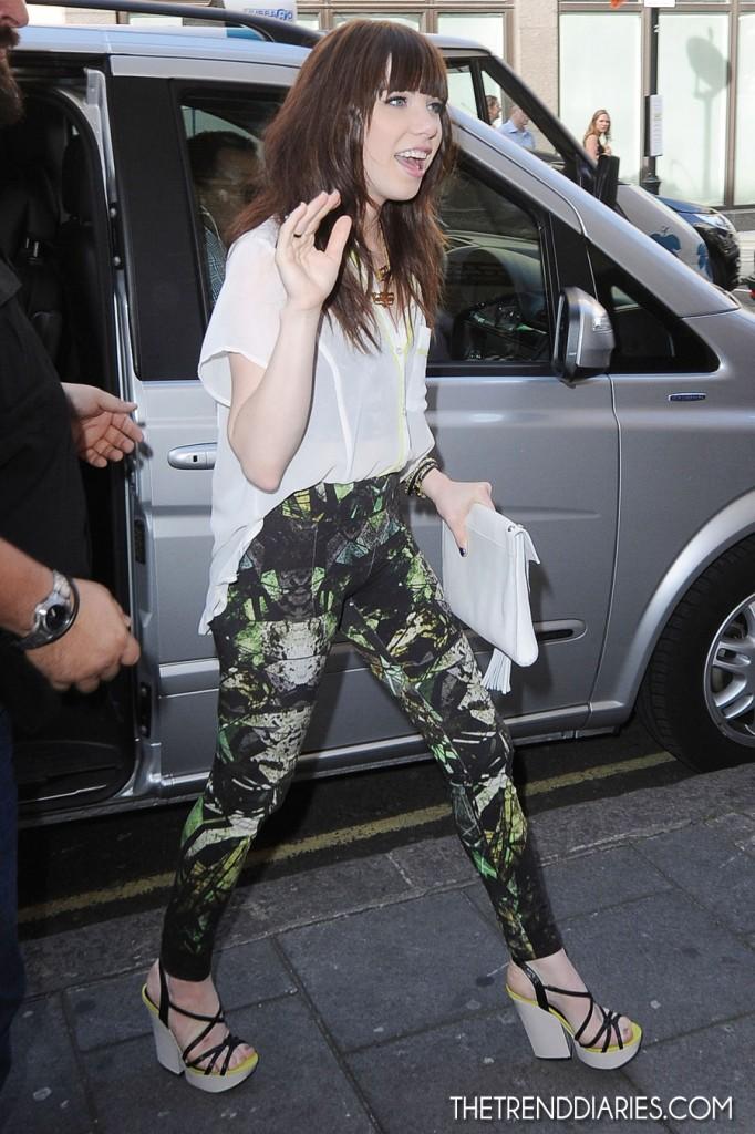 carly rae jepsen_helmut lang printed leggings