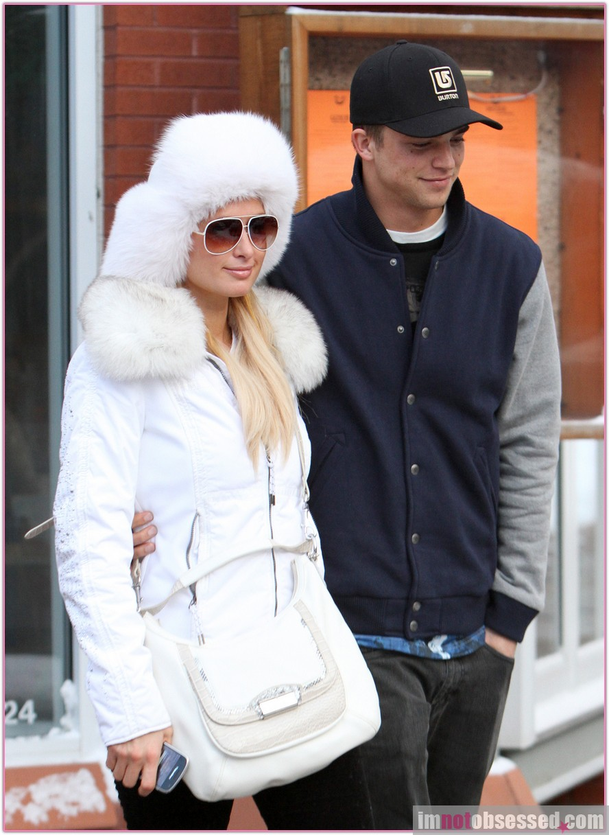 Paris Hilton and River Viiperi Look Cute in Aspen