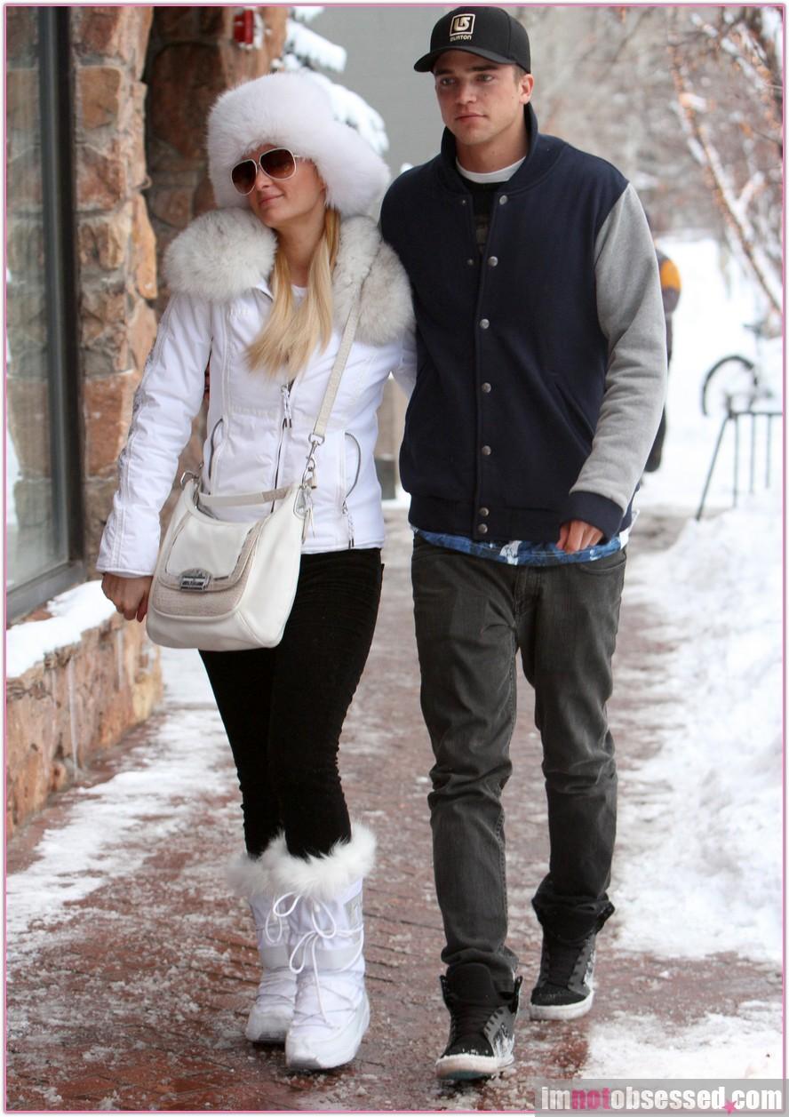 ec8d435939 Paris Hilton and River Viiperi Look Cute in Aspen