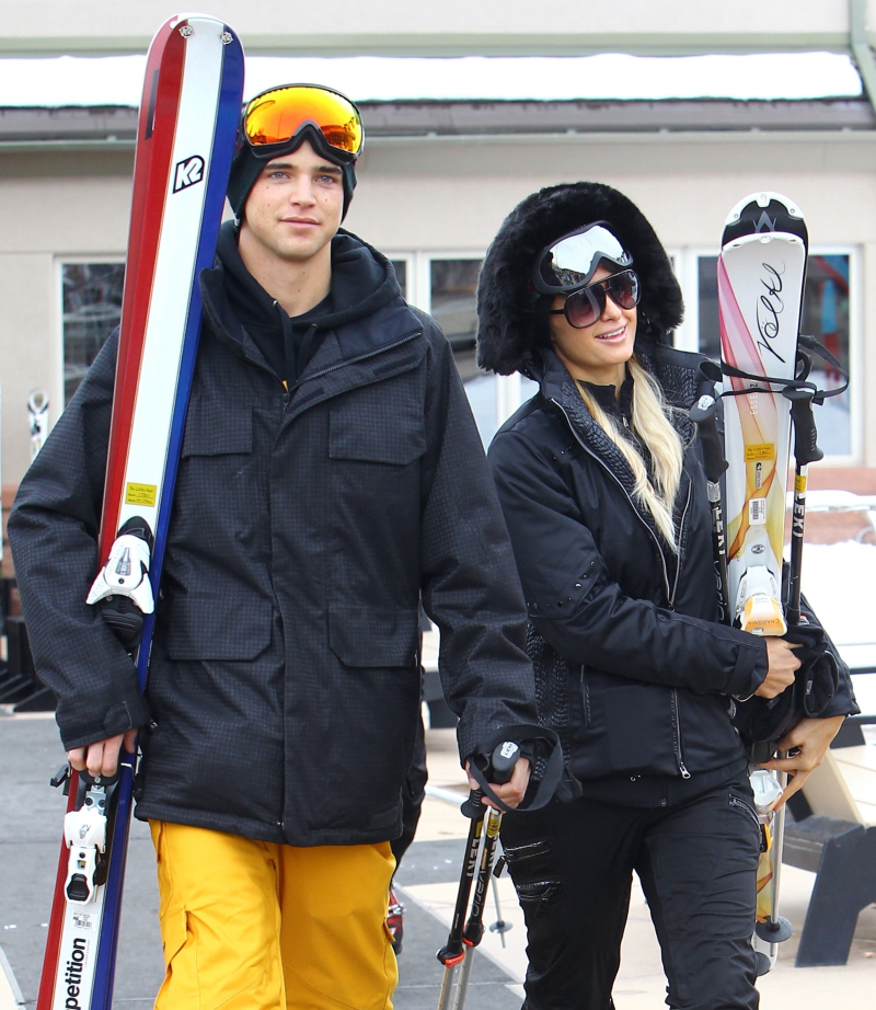 fed76bbd4e Paris wore all black and even carried her own Volkl skis with her Gucci  goggles. Paris hilton in white jet set aspen 2011