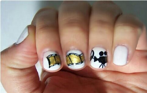 Zooey Deschanel movie script golden globes nails