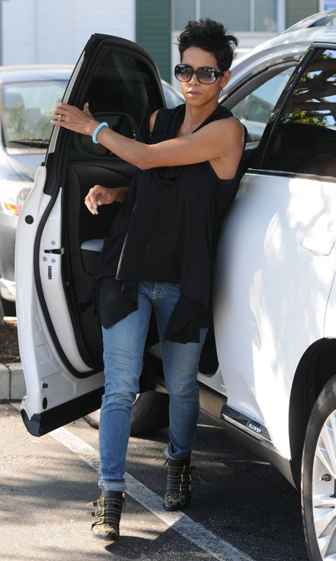halle-berry-beverly-hills-chloe-susannah-booties