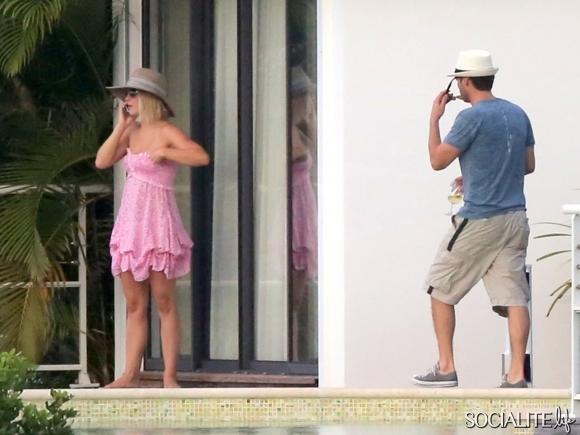 ryan-seacrest-julianne-houghpink baby doll beach cover hat st barts