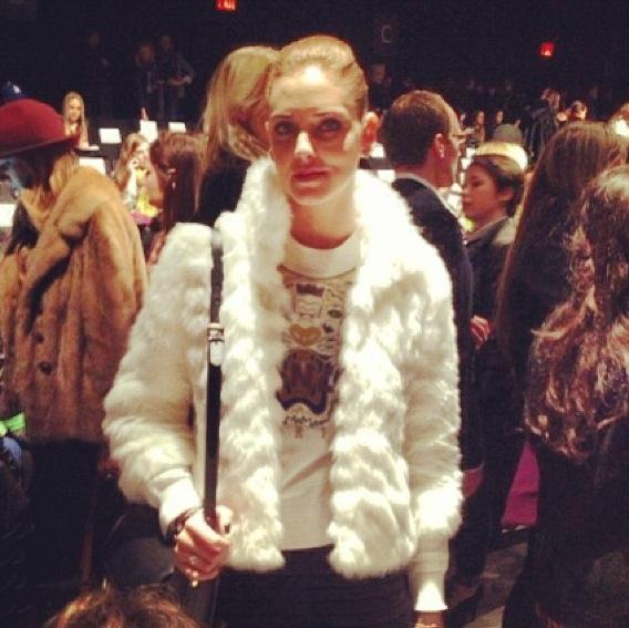 Chiara Ferragni Blond Salad new york fashion week kenzo sweatshirt tiger white faux fur