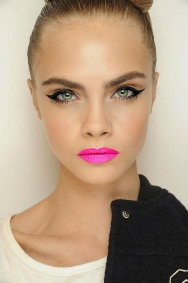 Bright lipstick for summer 2013