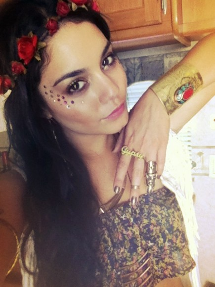 what to wear to coachella rings vanessa hudgens festival jewelry