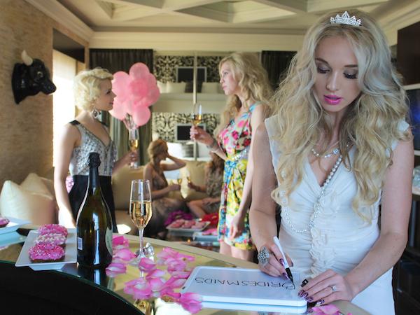 Classy bachelorette party ideas - Dry Erase Board Photoshoot