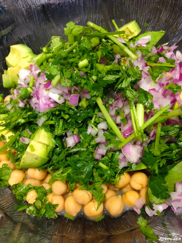 Healthy summer lunch using chickpeas