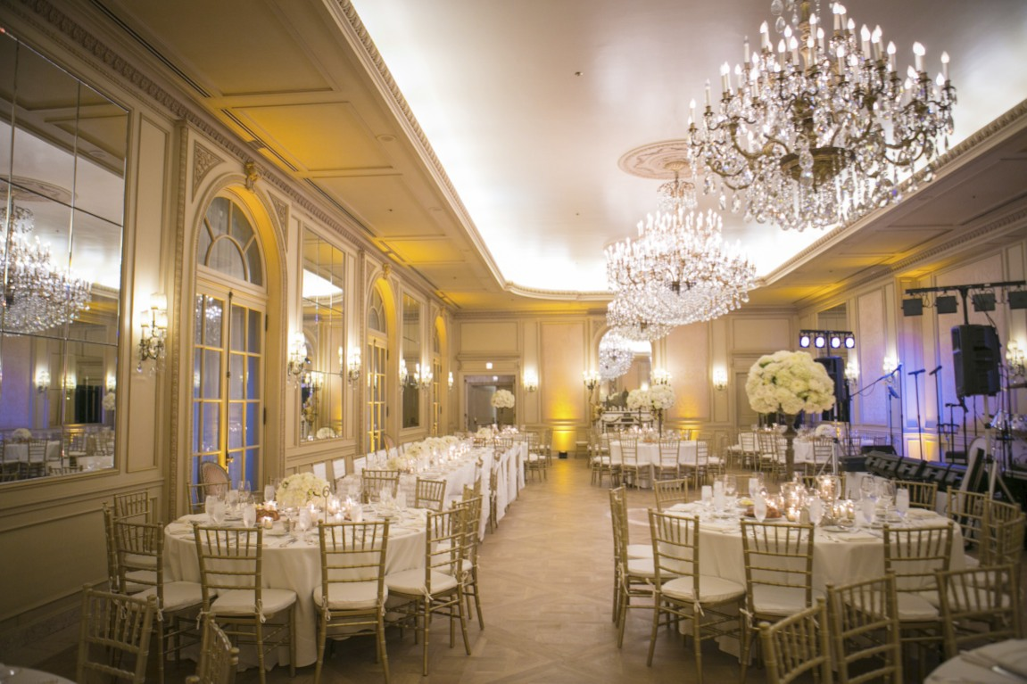 Classic Romantic Wedding Theme - Ballroom Table Setting