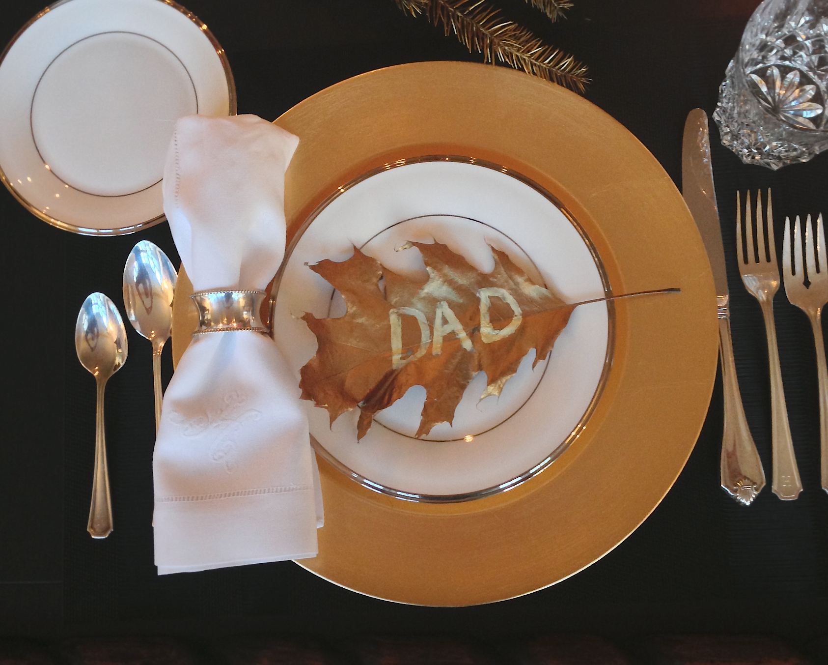 Gold Leaf Place Settings - DIY Name Cards for Holiday Season