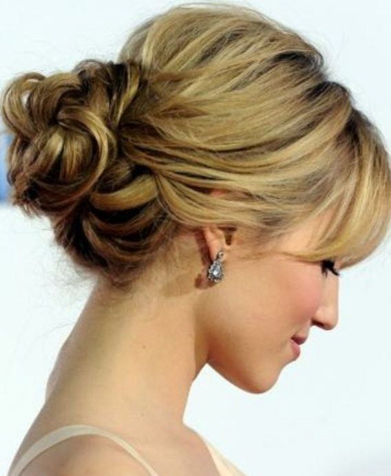 easy updo hairstyles for Valentine's Day
