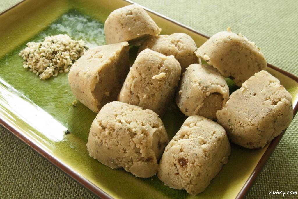 easy vegan recipes - vanilla hemp bites - sweet satisfying dessert
