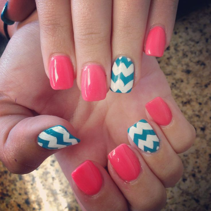 Easter outfit_chevron nails
