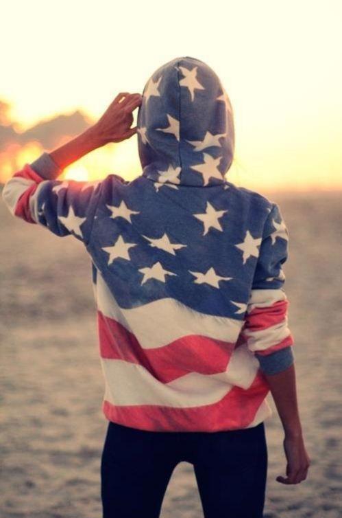 american flag sweatshirt - memorial day weekend outfit ideas