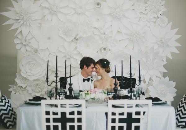wedding flower ideas - statement paper flowers