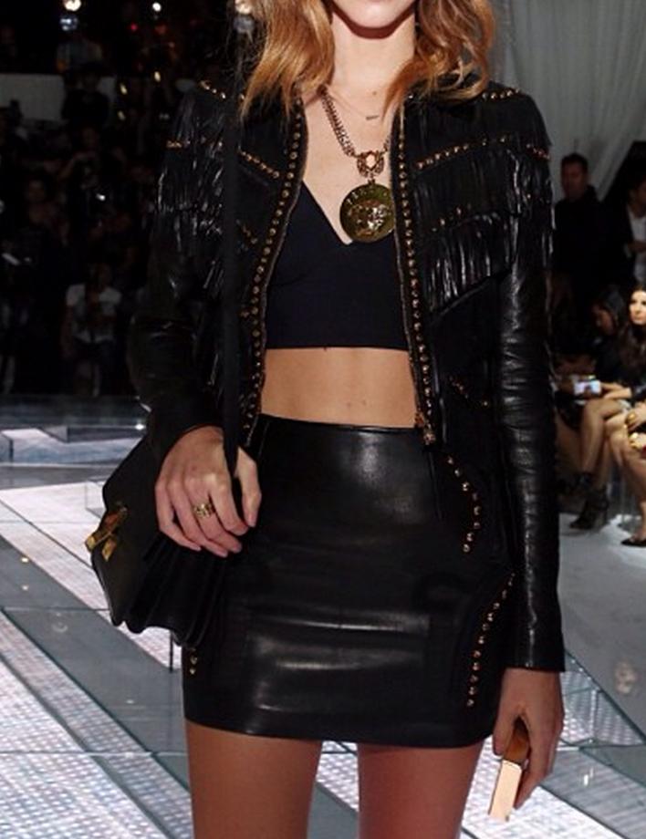 fall fashion leather skirt chiara ferragni