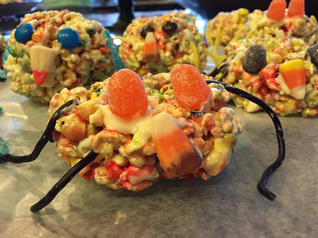 halloween party treats - spider popcorn balls