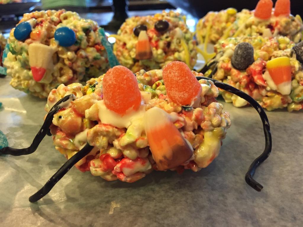 halloween party treats - spider popcorn balls