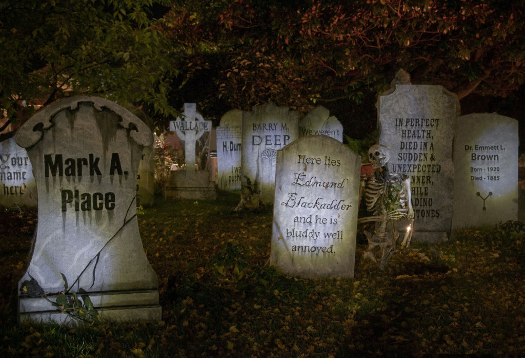 halloween-safety-tips-Scary-graveyard