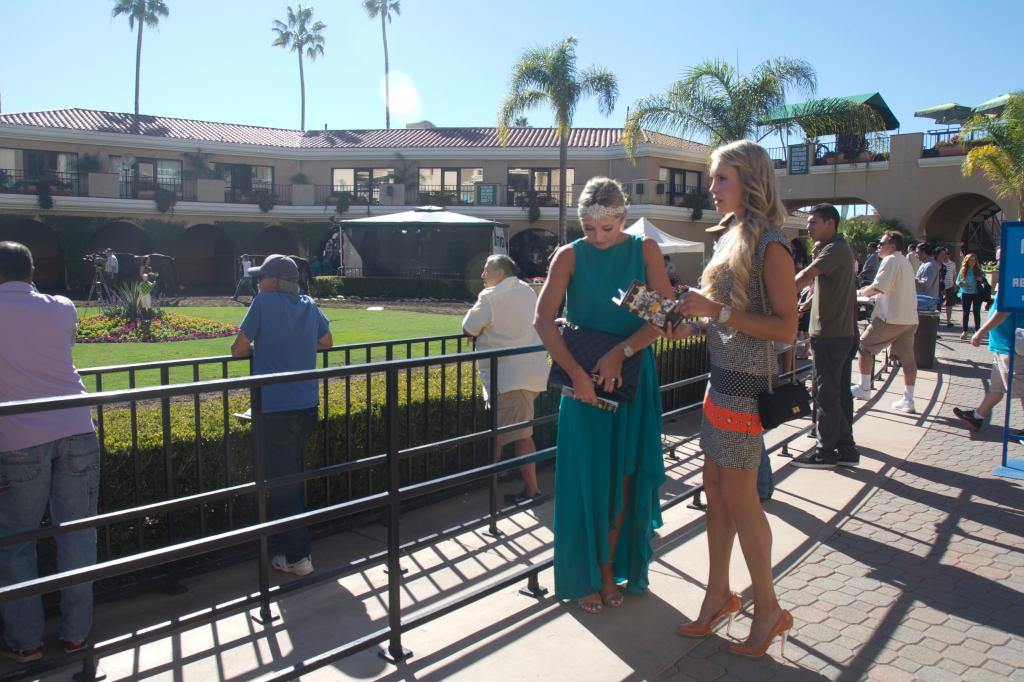Bing Crosby Opening Day Del Mar Nicole Miller Nubry headpiece 23