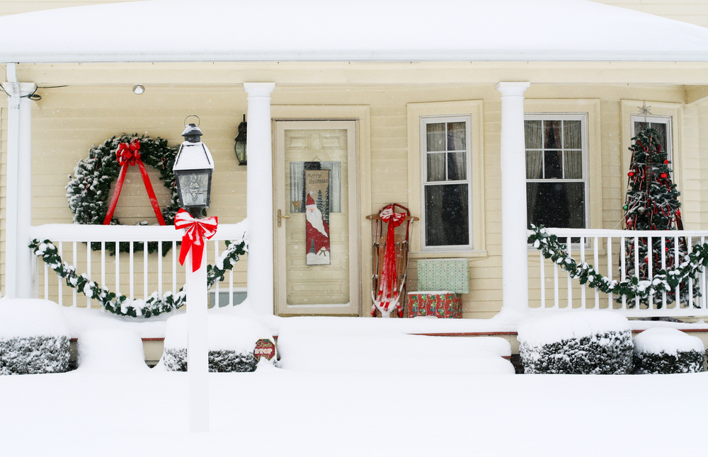 Outdoor Christmas Decoration Ideas - oversized wreath for curb appeal