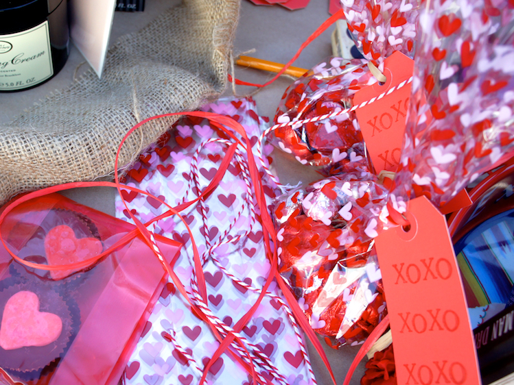 Valentine's Day Gifts For Him - DIY Chocolate Goodie Bag