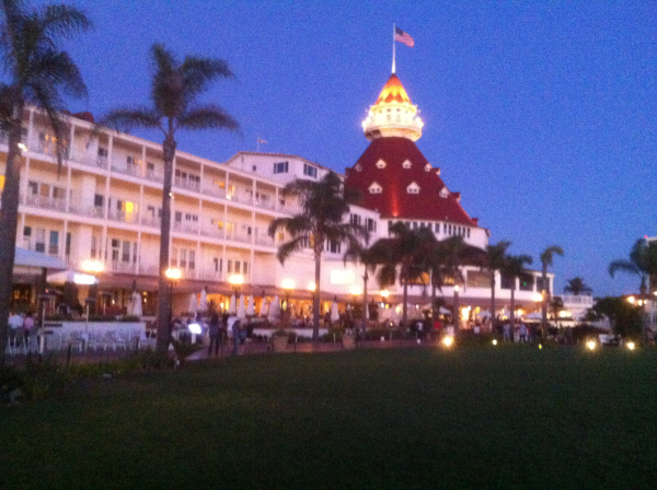 hotel-del-coronado-106th Annual Magic of Miracles Charity Ball 2015