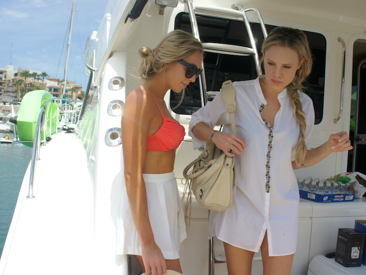 What To Wear On A Yacht In Cabo 7