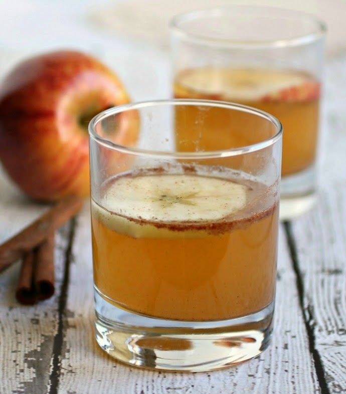 apple pie cocktail with oak by absolut vodka