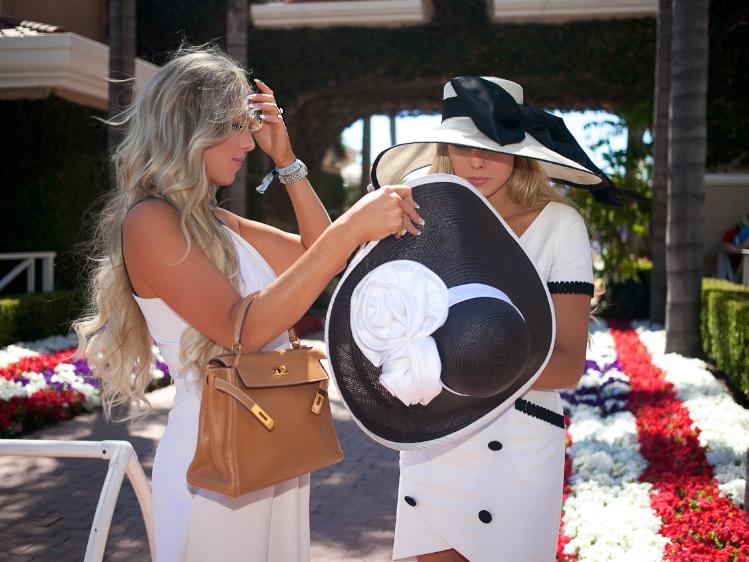 carol bader hats del mar races opening day 1