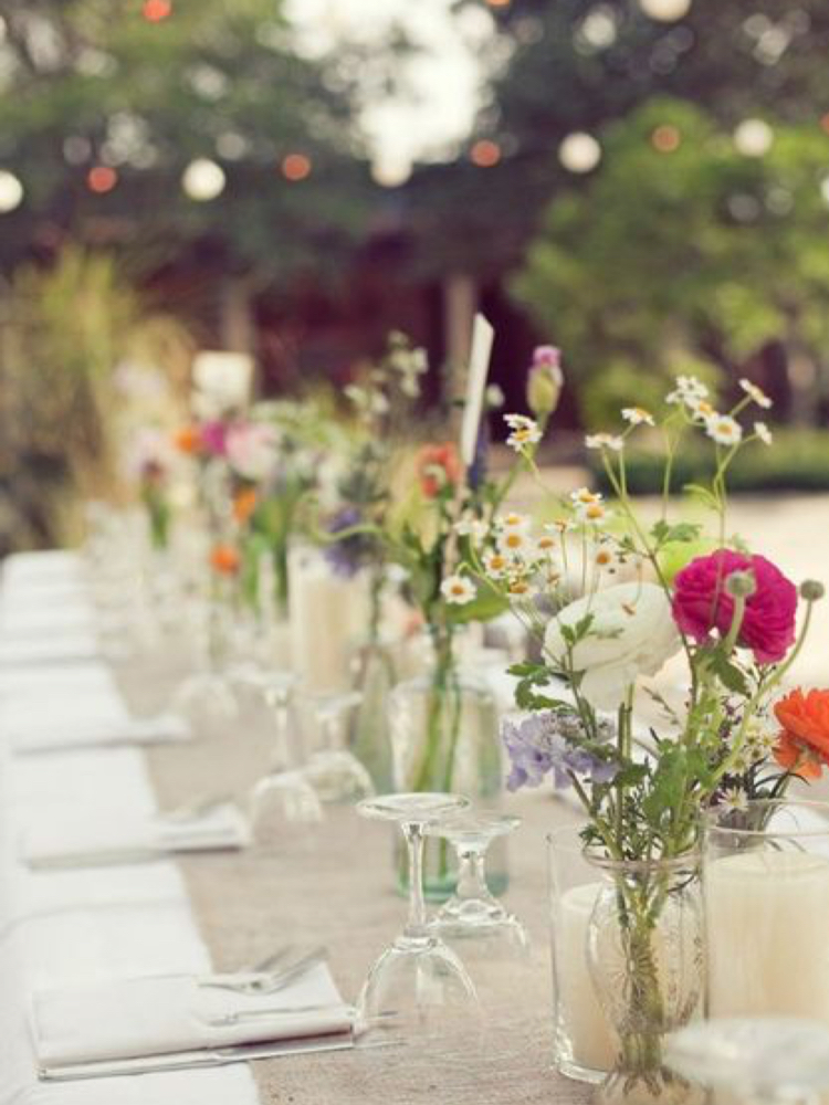 outdoor bbq decor and table