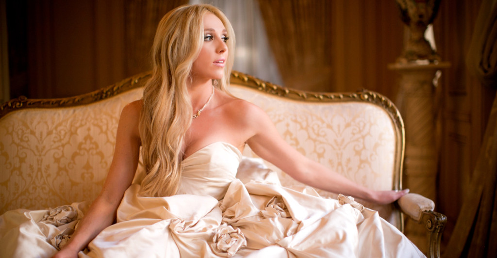 bridal portraits before the wedding - budget friendly tips