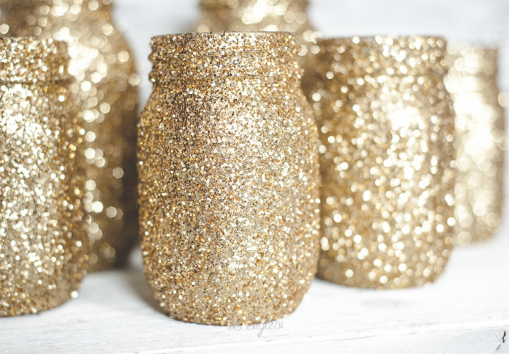 Gold-glitter-mason-jars