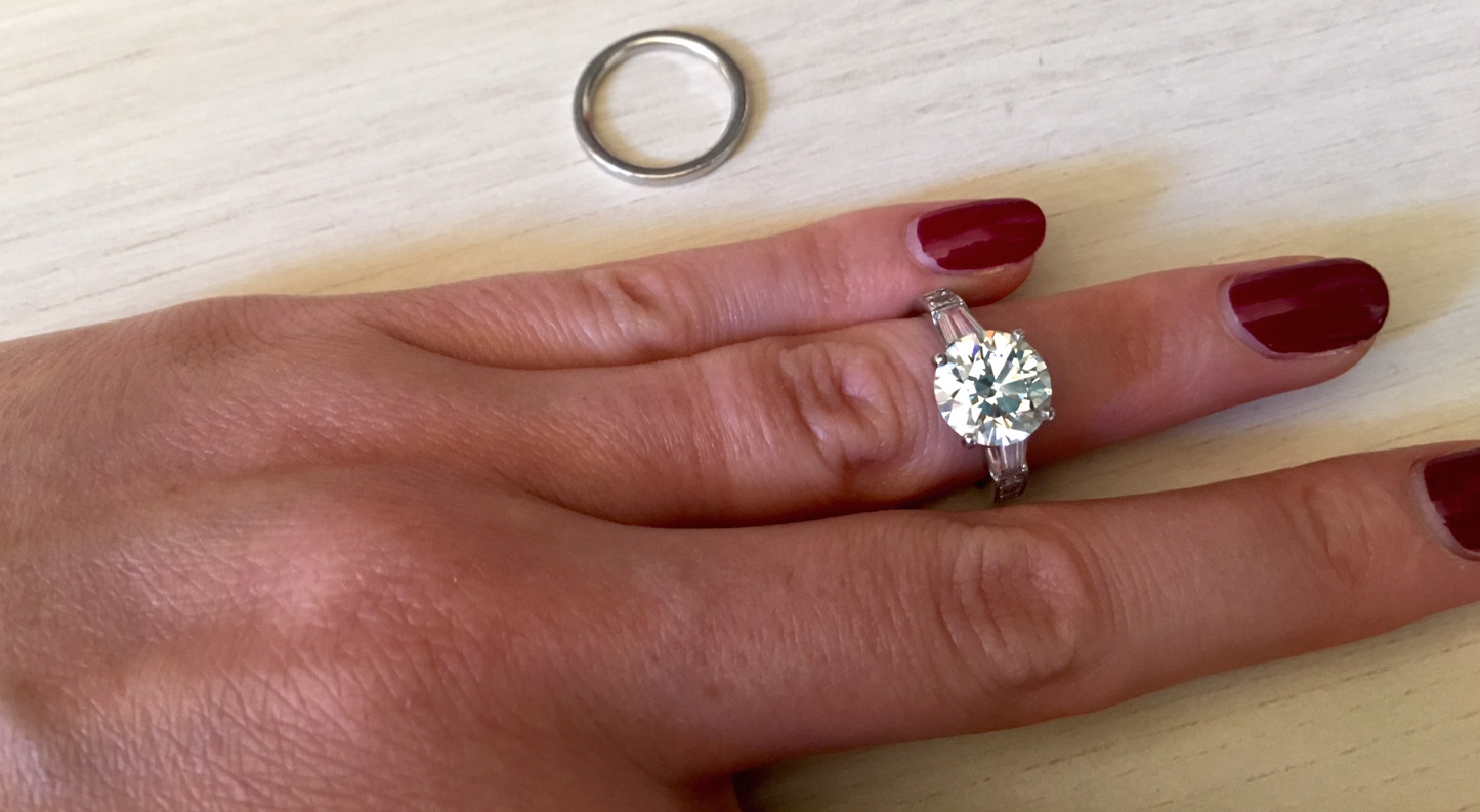 How To Clean Your Engagement Ring On The Go