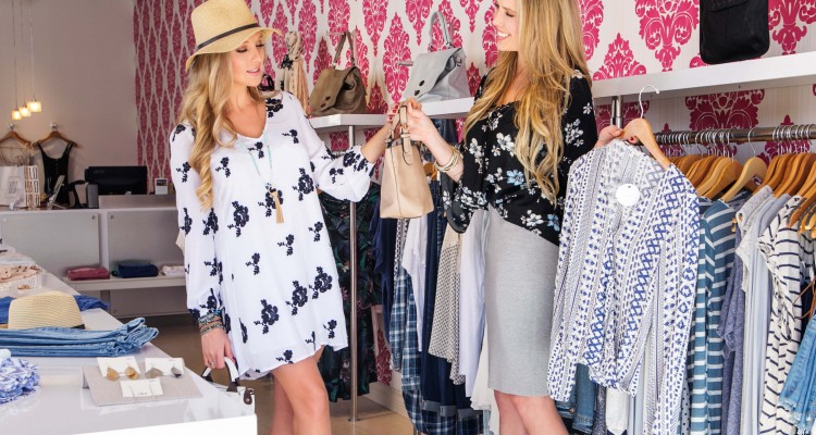 what to wear in san diego - Nubry shopping at LOLO Boutique in The Headquarters at Seaport