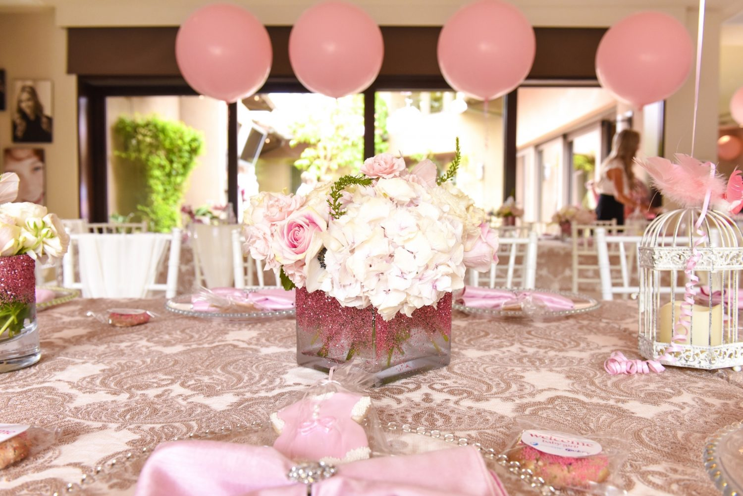 girl baby shower - pink theme ideas 1
